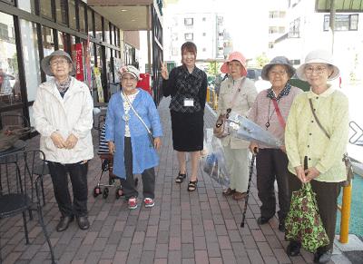 サービス付き高齢者向け住宅「時のかけはし」お散歩日和