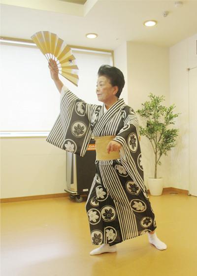 お茶会(日本舞踏)の様子①